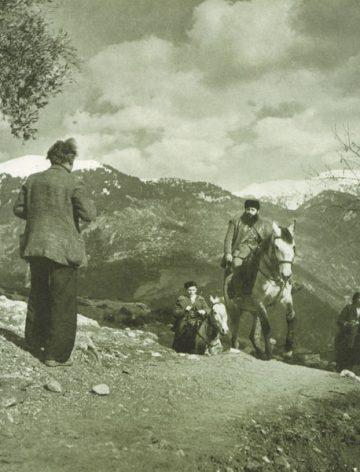 Ιστορία Περτουλίου: Ο καλλιτέχνης Γιολδάσης φωτογραφίζει τον Βελουχιώτη